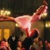 Немолодая пара решила повторить движение из «Грязных танцев»
