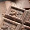 Шоколад с белым налётом: откуда он берётся и вредно ли его есть?