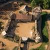 Французы вот уже 20 лет строят замок по технологиям XII века