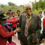Хоронить не обязательно: на Сулавеси живые и мертвые всегда вместе