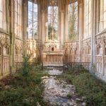 Фотограф снимал невероятно красивые заброшенные церкви по всему миру