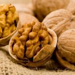Почему орехи называются грецкими?