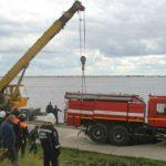 В Саратове пожарный автомобиль провалился под землю
