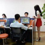 Для мотивации китайских программистов нанимают девушек-чирлидеров