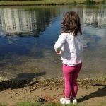 Необычной улов маленькой девочки