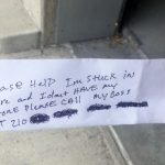 В США рабочий застрял банкомате