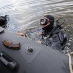 Водолазы Росгвардии обнаружили оружейный арсенал на дне Москва-реки