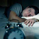 Почему люди спят с открытыми глазами?
