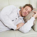 Почему предпочтительней спать на левом боку?