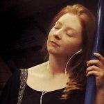Парень делает тайные фото пассажиров метро, похожие на картины XVI века