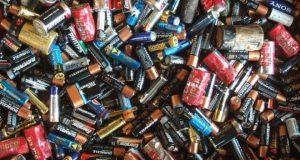 Какие вещи не следует выбрасывать в мусорное ведро и почему
