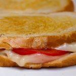 Сохранить хлеб свежим даже через месяц: хитрость, которая пригодится всем
