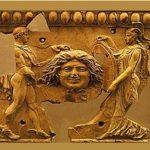 Почему Горгона Медуза стала символом Дома Версаче и острова Сицилия
