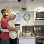 Молодая пара за 3 месяца построила настоящий дом буквально на пустом месте