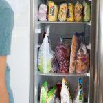 Почему большинство размораживает продукты неправильно и что с этим делать