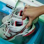 Как постирать обувь в машинке, чтобы не пришлось бежать в магазин за новой