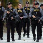 Почему английских полицейских называют бобби, а американских — копы?